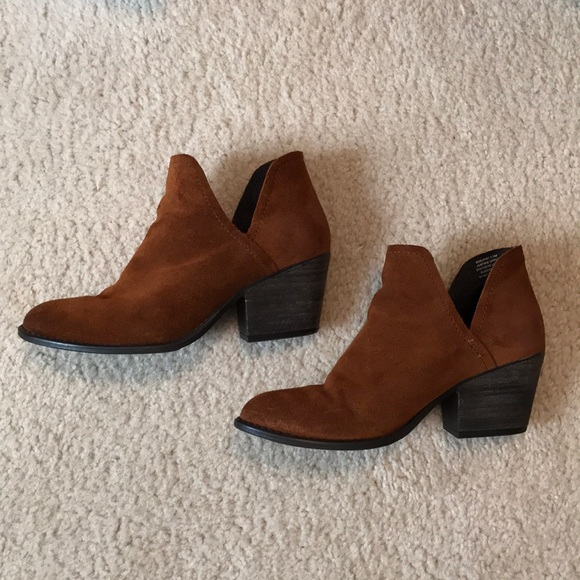f3f0bf0835a Steve Madden Adelphie Suede Booties Cognac 7-1 2